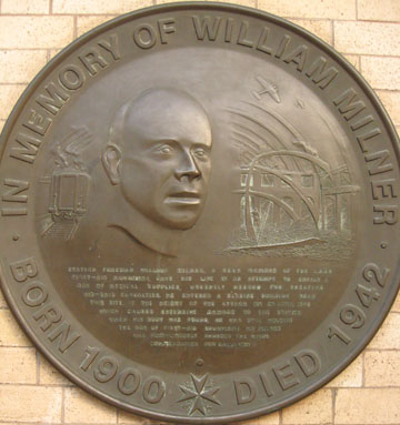 Memorial to William Milner, York railway station