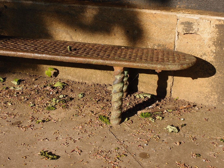 Iron bench by Scarborough Bridge, 5 May 2017