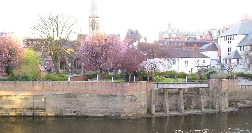 Riverside gardens at North St, from City Screen balcony, across the river (April 2006)