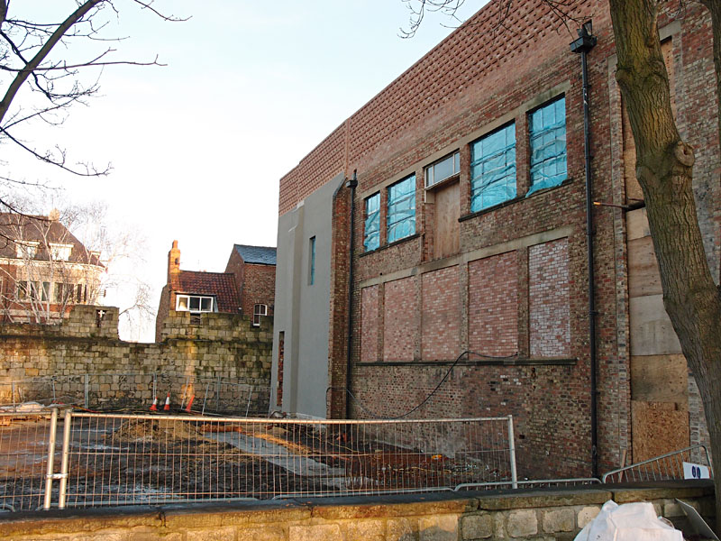 Back of art gallery building, 28 Dec 2014