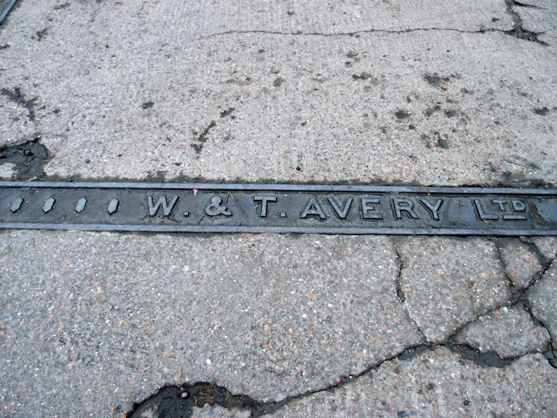 Avery ironwork — weighbridge? — off Piccadilly