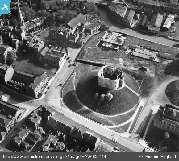 Aerial photo of Clifford's Tower and surrounding area in 1947. From the Britain from Above collection.