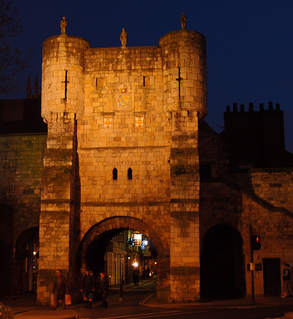 Bootham Bar at dusk, 21 Dec 2014