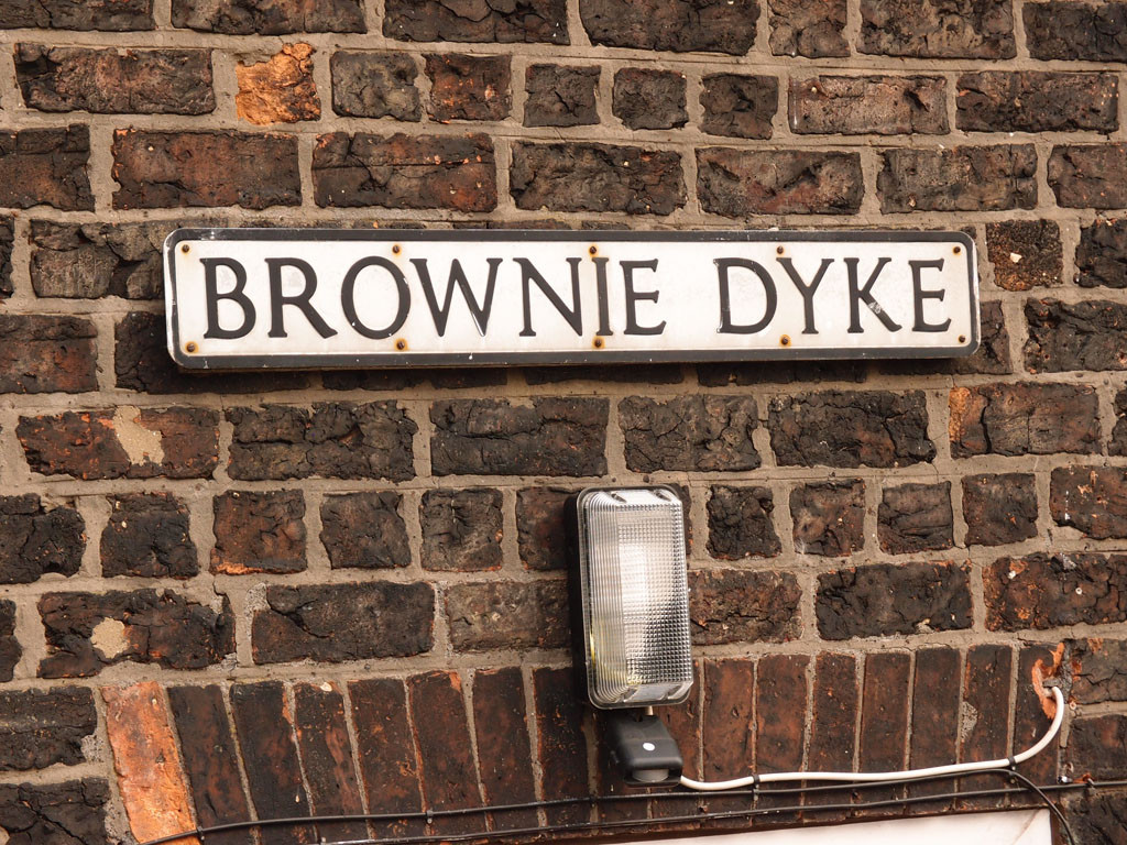 'Brownie Dyke' sign, by Castle Mills Bridge/Foss Basin