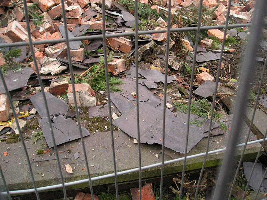 A heap of slates and bricks: Burton Croft demolition, 5 Feb 2005