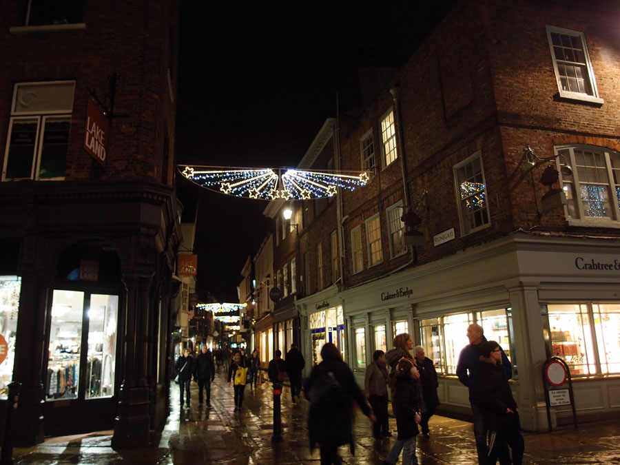 Christmas lights, Stonegate, 21 Dec 2017