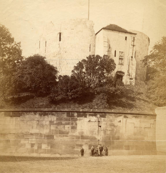 cliffords-tower-19thc-cyc-y42_5055