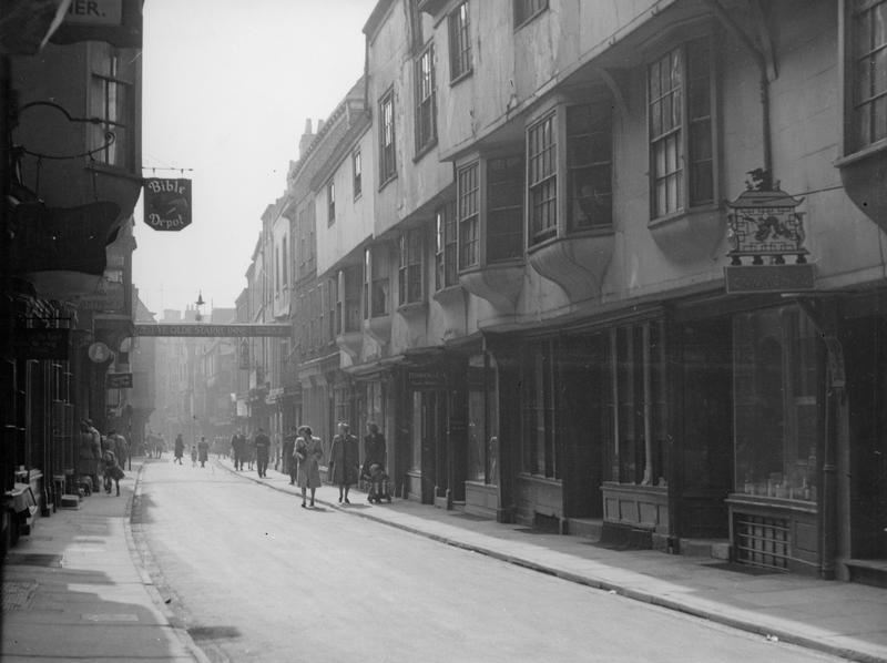 Stonegate, 1940s/50s (Photo: Explore York Libraries and Archives)