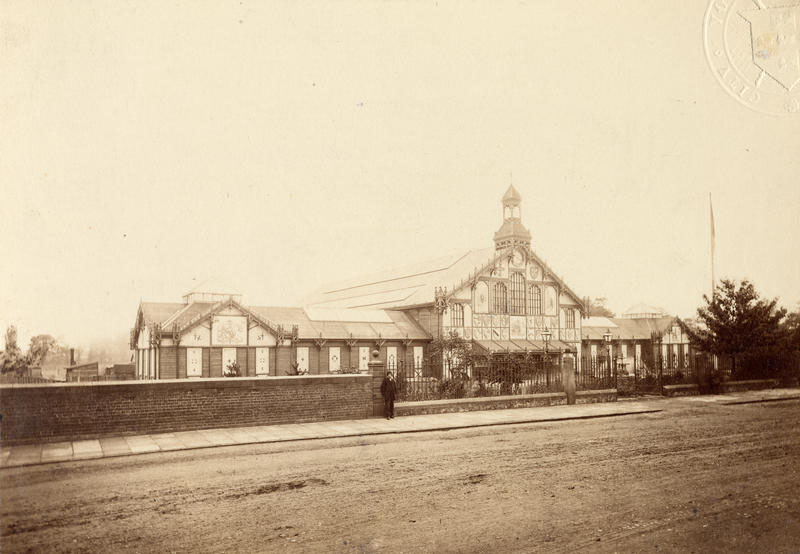 Temporary exhibition building in Bootham Park, 1866