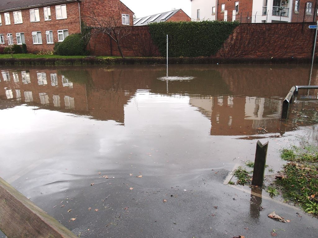 Flooding on Water Lane, Clifton, 26 Dec 2015