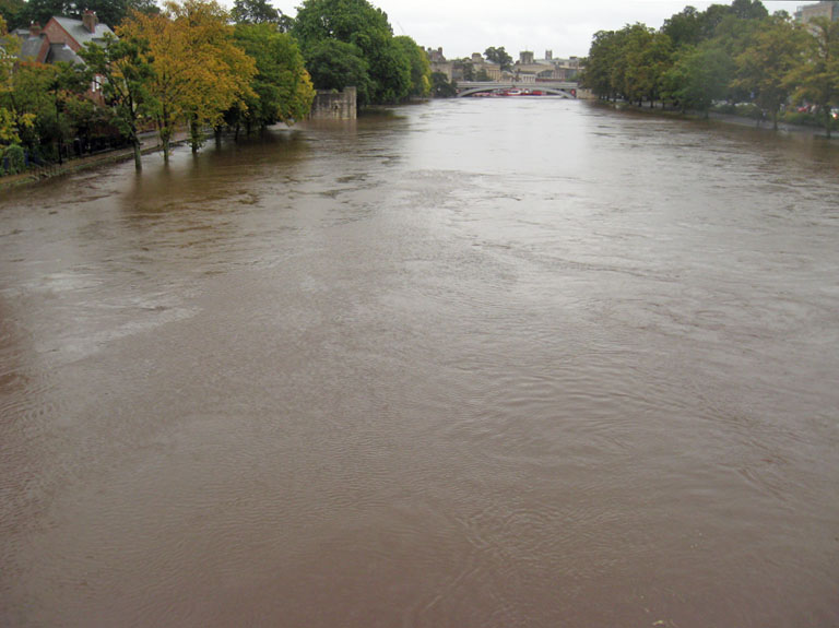 floods-from-scarborough-bridge-250912