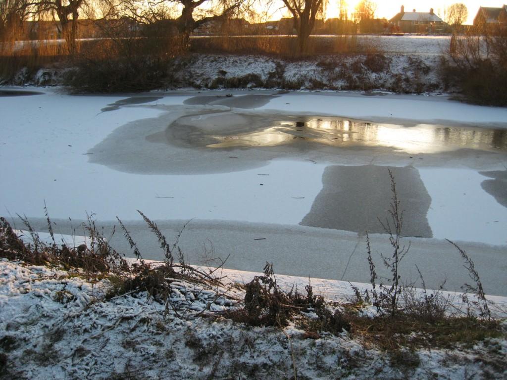 Frozen Ouse, Clifton, 25 Dec 2010