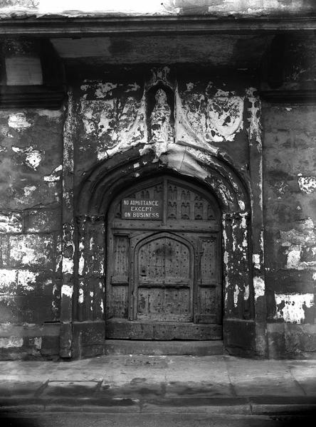 Gateway to St William's College, early 29th century, just before restoration (city archives: image information)