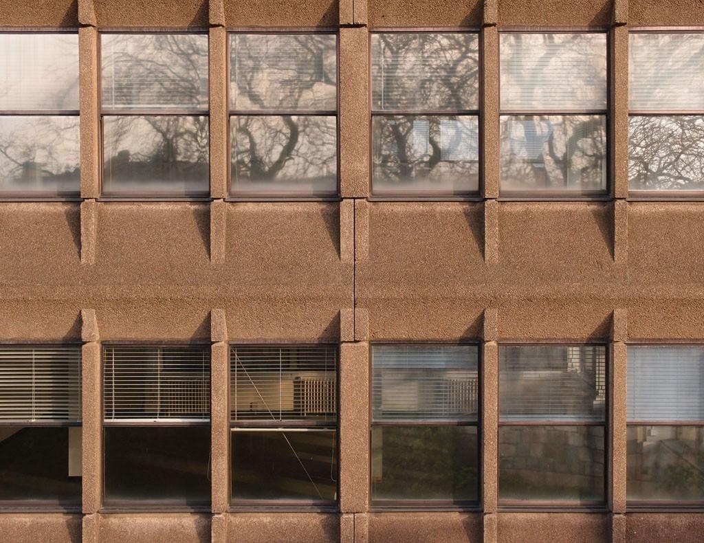 Office building: windows in concrete