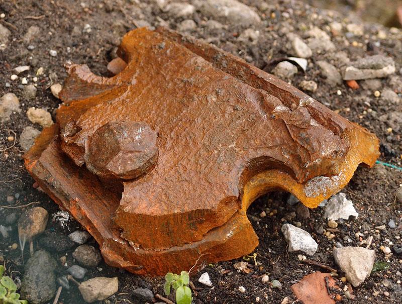 ironwork-fragment-gasworks-site-210516-800.jpg