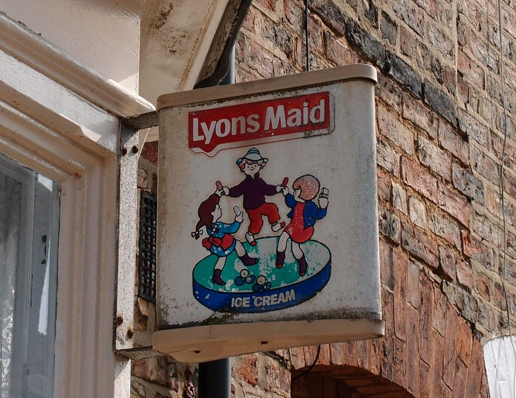 Lyons Maid sign, Milton Street