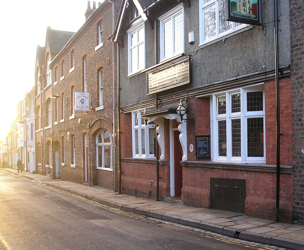 Marygate, Minster Inn and Post Office Social Club, 8 Jan 2004