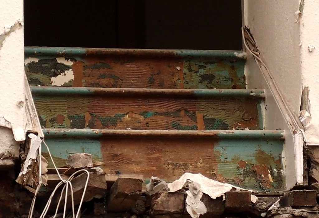 Stairs among the debris, 27 Oct 2016