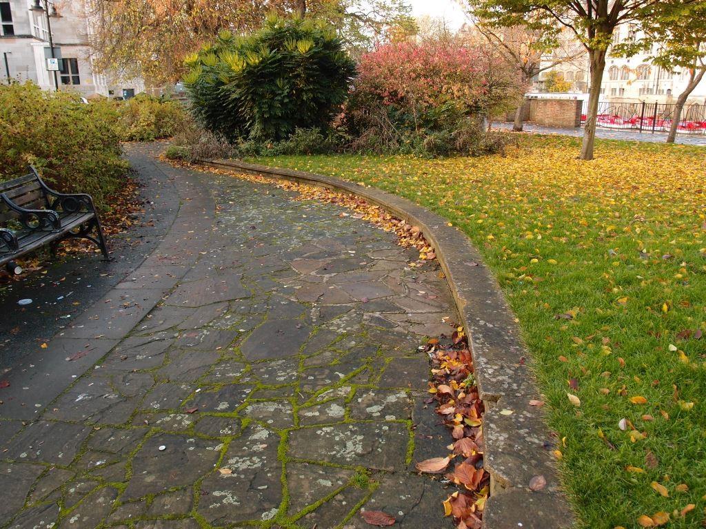 Riverside gardens, North St