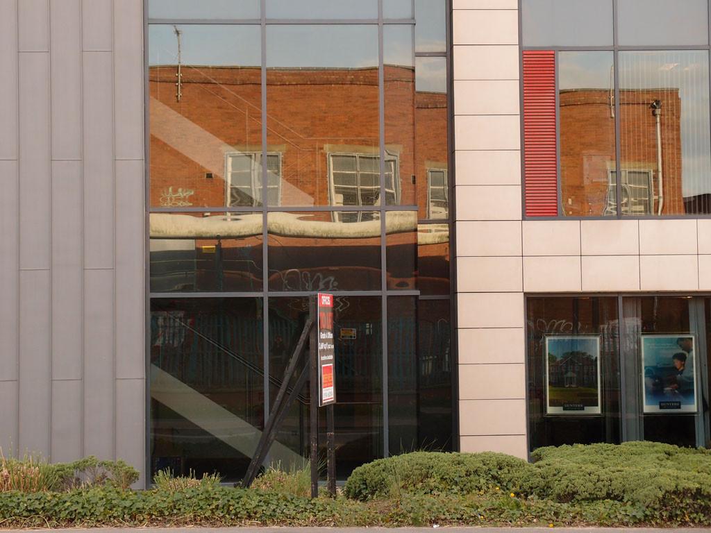 office-block-gasworks-building-reflection-220417-1024.jpg