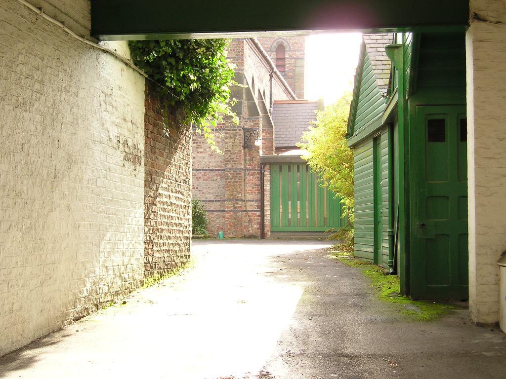 poor-clares-entrance-241004-1024.jpg