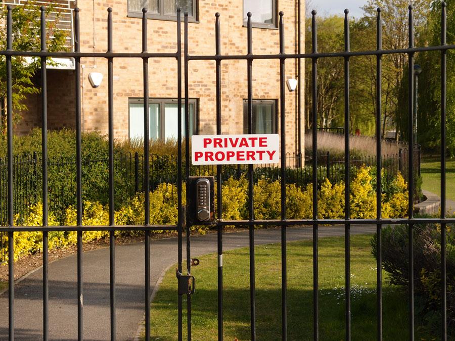 private-property-heworth-green-foss-walk-220417-900.jpg