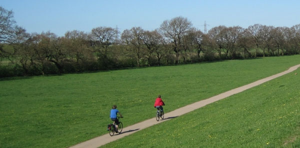 rawcliffe-meadows-cyclists-mick-phythian