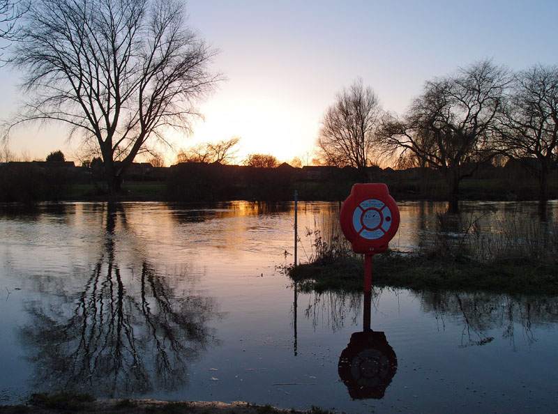 Flooded riverside paths, Clifton, 24 Dec 2014