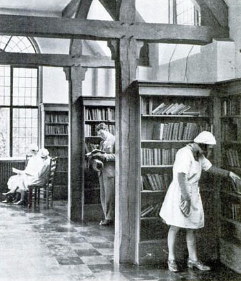 Library interior in the 1930s (Photo: the Rotarian, 1937)