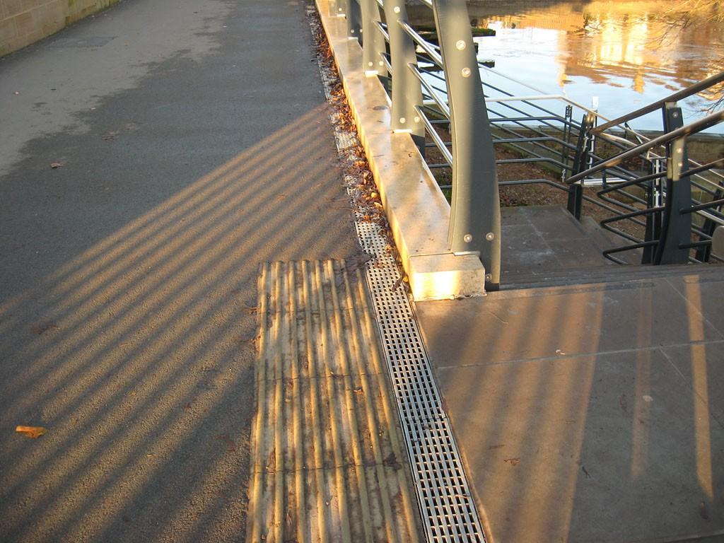 Scarborough Bridge, details, station side, 1 Dec 2019