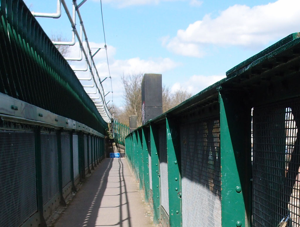 Scarborough Bridge, pedestrian walkway, April 2016