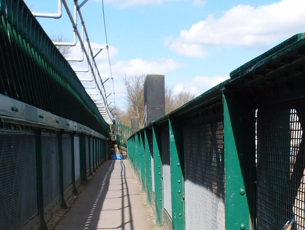 Scarborough Bridge, pedestrian walkway, April 2016