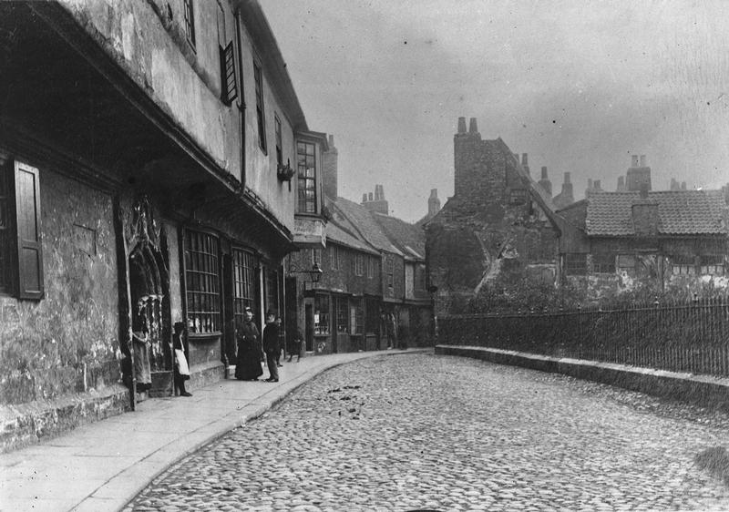 St William's College (left), 1890s (city archives: image information)